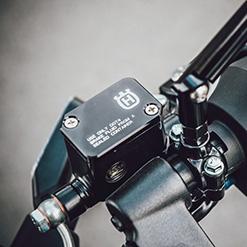 Cables y Sujetacables de Moto